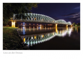 Linz an der Donau - Eisenbahnbrücke bei Nacht